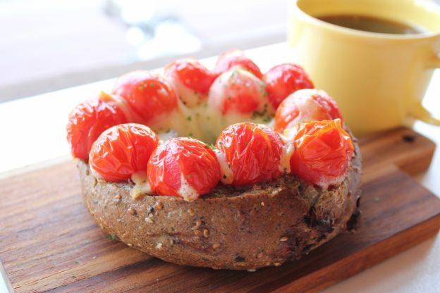 ベーグルレシピ  5月18日  ミニトマトのオーブン焼き