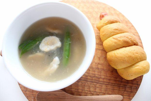 ベーグルレシピ 6月8日 さやえんどうとホタテのスープ