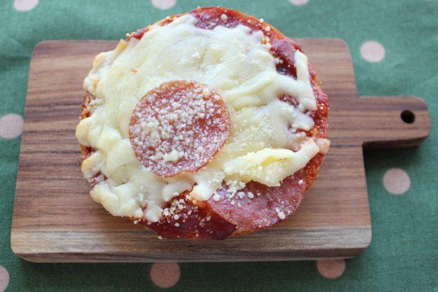 ベーグルレシピ 8月28日 Wチーズサラミピザ